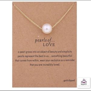 Jewelry - 🌺Pearls of Love Fashion Necklace
